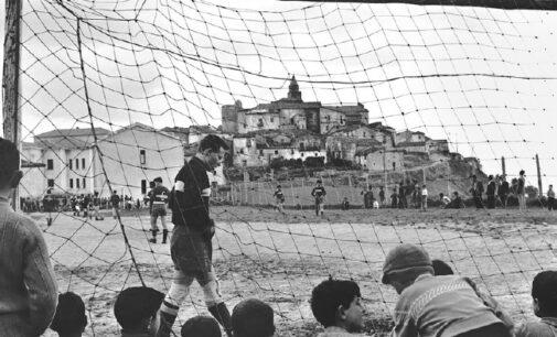 Museo di Fotografia Contemporanea   Chi non salta. Calcio. Cultura. Identità   dal 12 giugno al 24 ottobre 2021   Cinisello Balsamo-Milano