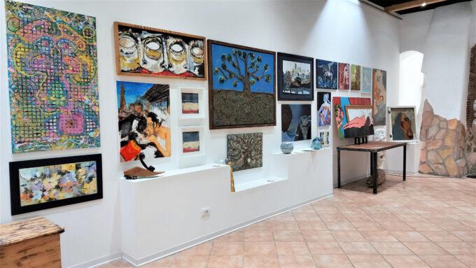 """la Mostra Collettiva Internazionale """"Distorsioni"""""""