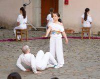 Gli allievi della Scuola sull'Albero portano in scena Edipo e Amleto