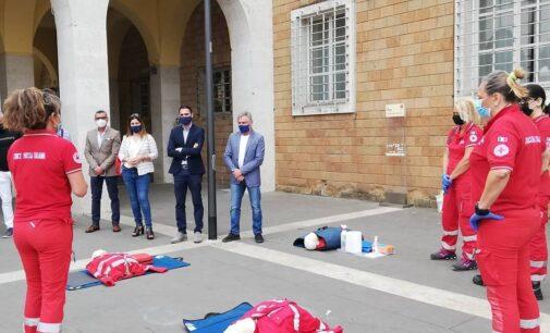 Pomezia Città cardioprotetta, inaugurato un defibrillatore in piazza Indipendenza