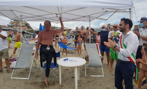 TORVAIANICA. Giro d'Italia a nuoto per i diritti delle persone con disabilità