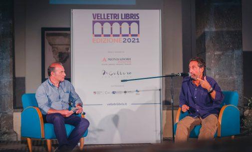 """Mario Tozzi e lo scomodo equilibrio tra uomini e virus: """"Vogliamo combattere una guerra inutile"""""""