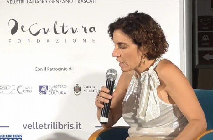 """Stefania Auci incanta """"Velletri Libris"""""""