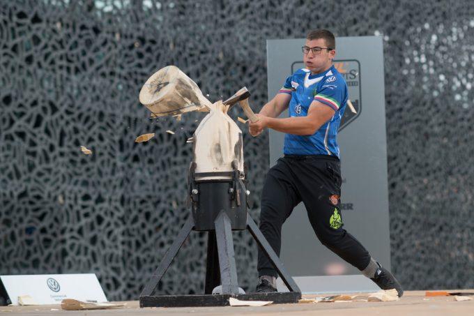 campionato europeo di taglialegna, con 4 atleti l'Italia è la più numerosa