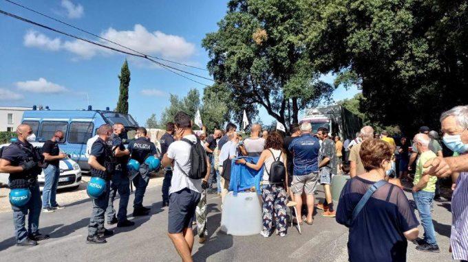 Albano, discarica di Roncigliano. Divieto di blocco dei Tir dell'AMA per i manifestanti
