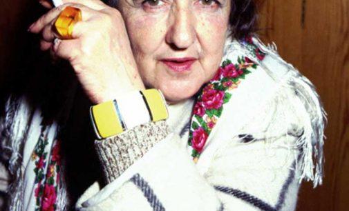 Indagine su Alda Merini: non fu mai una donna addomesticabile