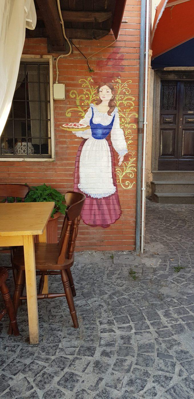 Jo, fatina colorata a Rocca di Papa