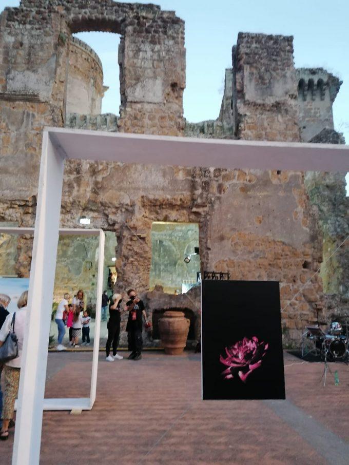 Divinarte: boom di visitatori per la manifestazione  di arte ed enologia al Forte dei Borgia di Nepi