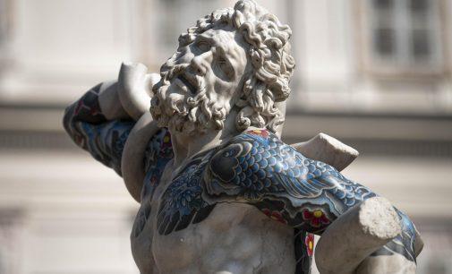 Le monumentali statue tatuate di Fabio Viale arrivano a Torino – In Between | 14.10.2021 – 09.01.2022 | MUSEI REALI