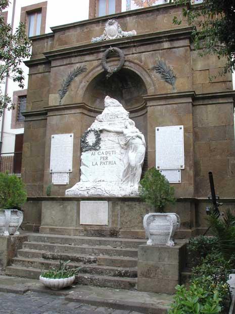 http://www.controluce.it/vecchio/images/stories/Monte_Compatri/monumenti/115-m.-caduti-33.jpg