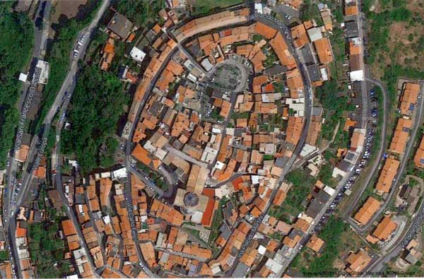 http://www.controluce.it/vecchio/images/stories/Monte_Compatri/monumenti/95-Senza-titolo-1.jpg